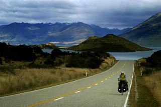 Riding from Queenstown to Glenorchy