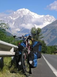 My bicycle is posing before the Mont Blanc